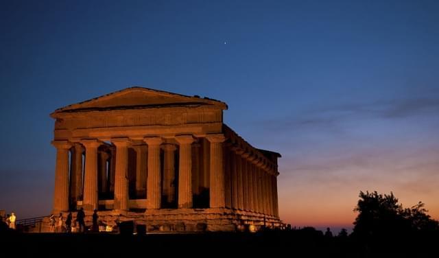 tramonto sulla valle dei templi agrigento