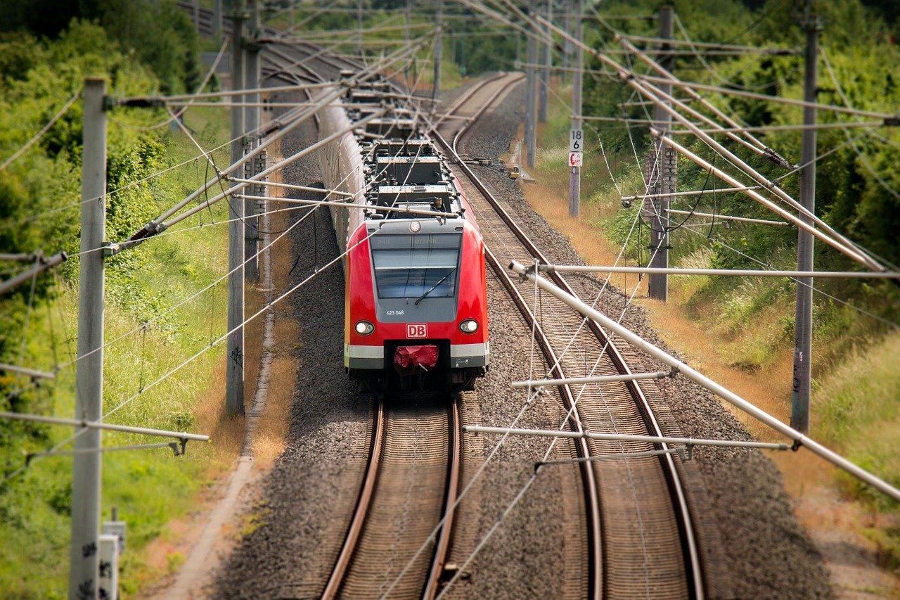 Viaggi lunghi in auto e in treno