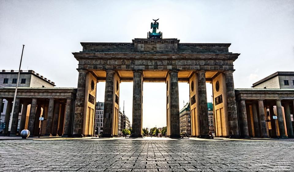un pezzo importante della storia berlinese, la porta di brandeburgo