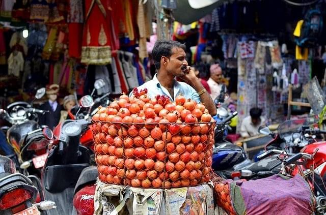 uomo venditore persone negozio thamel