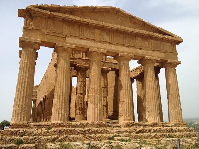 Tempio della Concordia nella valle dei templi di Agrigento