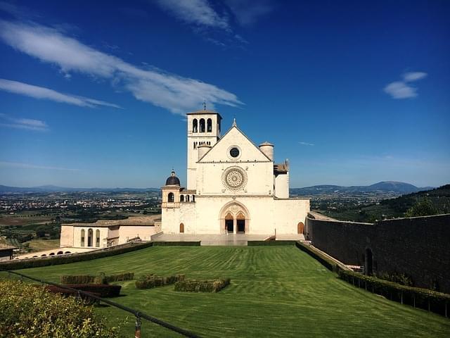 basilica di san francesco d'assisi facciata