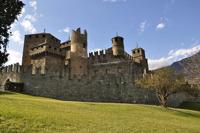 castello di fenis valle d aosta