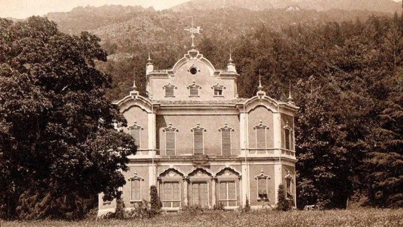 Villa De Vecchi - La Casa Rossa