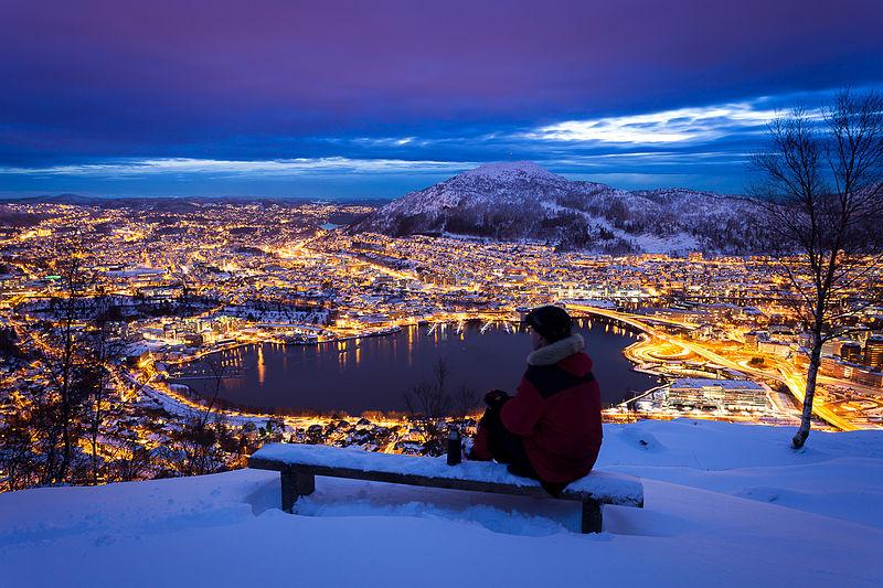 vista sulla citta dal monte floyen, Bergen