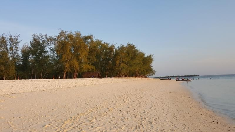 zanzibar spiaggia ngome